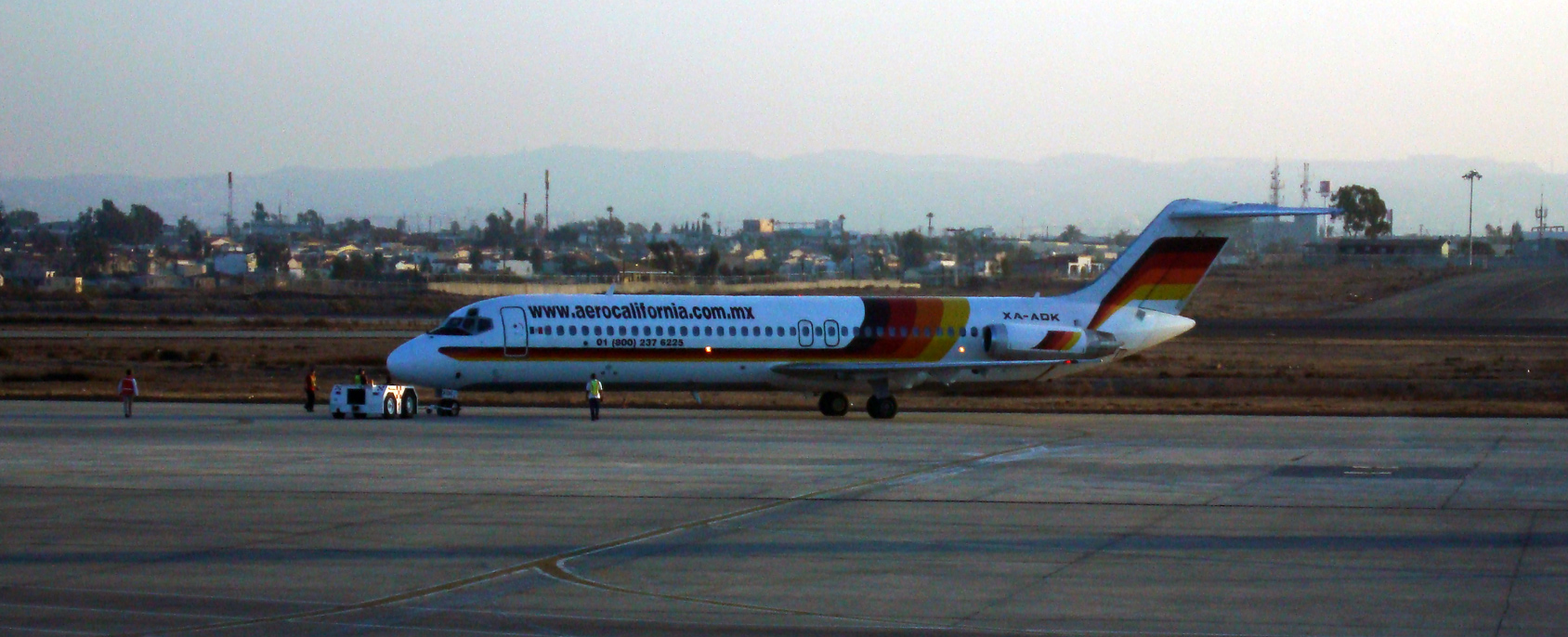 Image of Douglas DC-9 (1/144th scale)